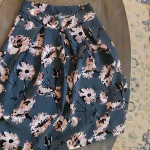 A line floral skirt. Xl stretch